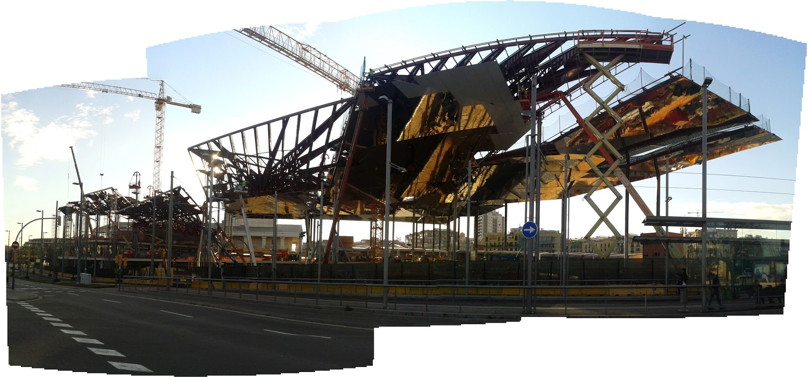 Construction as spectacle mercat dels encants criticalista - Encantes barcelona ...